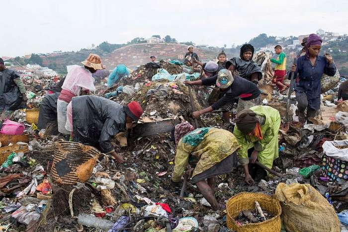 Работа среди крыс и заразы: жизнь на крупнейшей свалке Мадагаскара