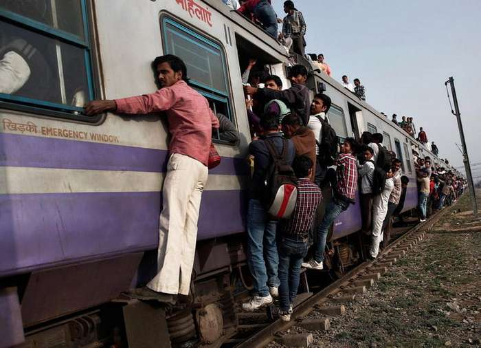 -Удавитесь- — главный принцип индийских железных дорог - ФОТО