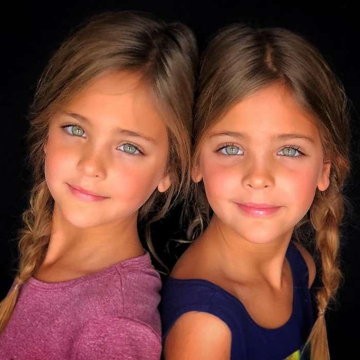 Самые красивые девочки-близняшки