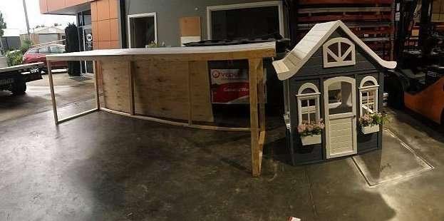 Как превратить детский игровой домик в виллу с шикарным гаражом