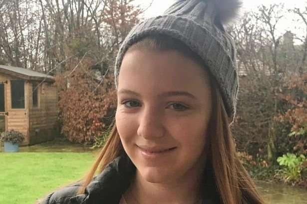 Британку оскорбила -сексистская- инструкция к шапке дочери