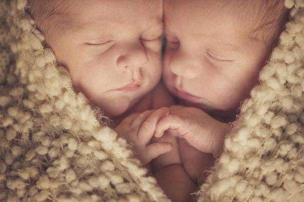 В Бразилии двойня родилась через 123 дня после смерти матери