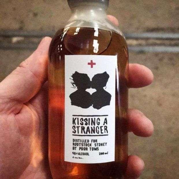Австралиец использовал выплюнутое при дегустации вино для производства нового напитка