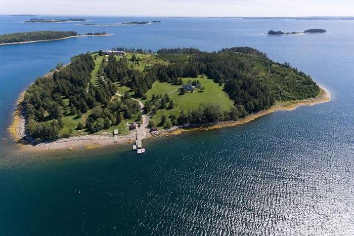 Каулбек — остров с особняком в Канаде, который может стать вашим за 7 миллионов долларов