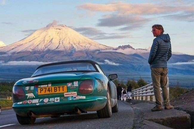 Британец преодолел 37 тысяч километров, чтобы выпить в самом южном и самом северном барах мира