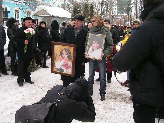 Бизнес на посмертных фото знаменитостей
