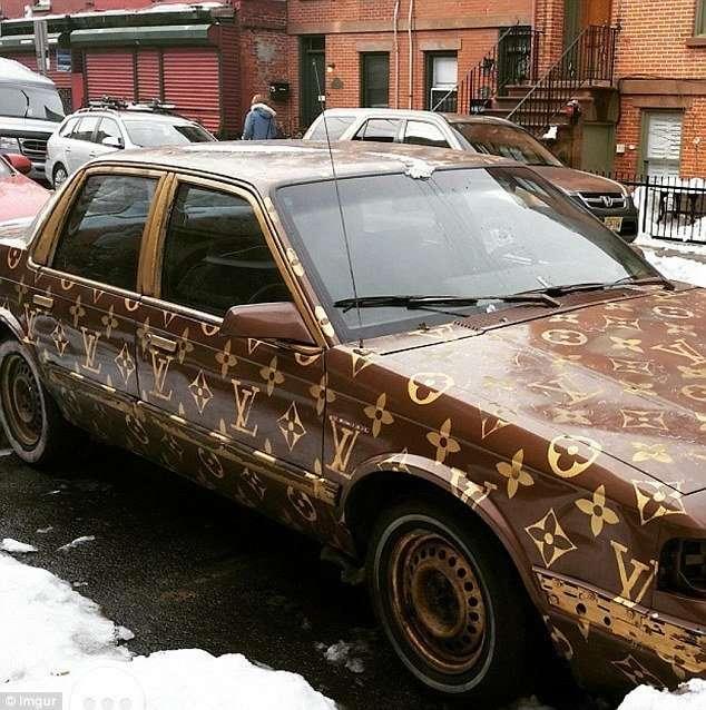 30 автомобилей, раскрашенных в стиле -Лопни мои глаза!-