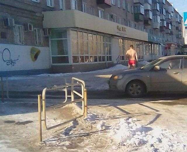 Щедрый парень из Челябинской области раздаривал тюльпаны в день 8-го марта