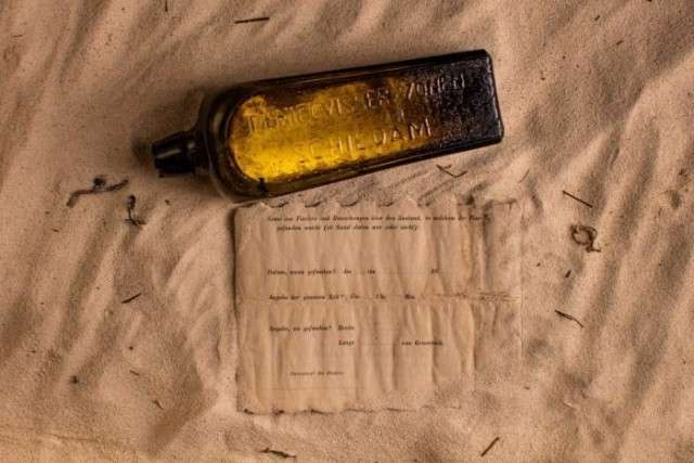 Старейшее в мире послание в бутылке нашли в Австралии
