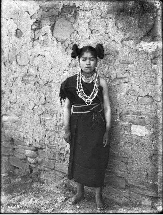 Прически девушек племени хопи
