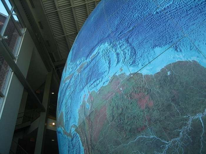 Самый большой глобус