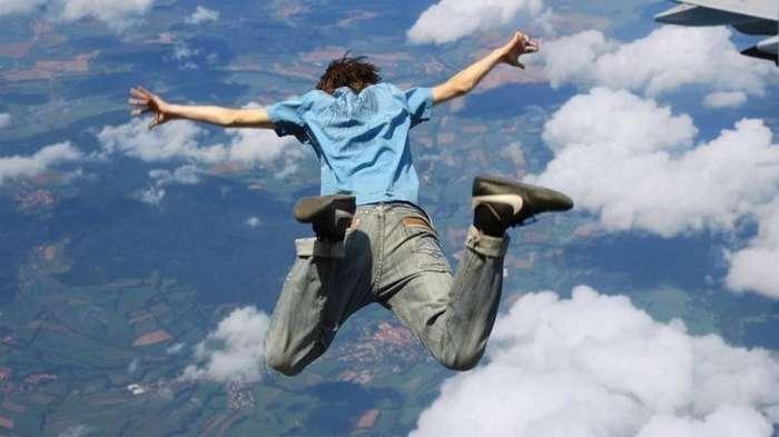 Как выжить, если вы падаете с высоты и кажется, что шансов нет?