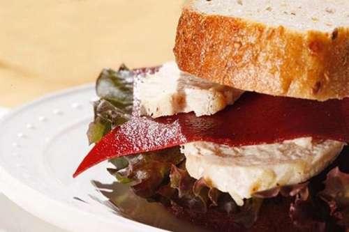 На смену обычному кетчупу может прийти соус в виде ломтиков