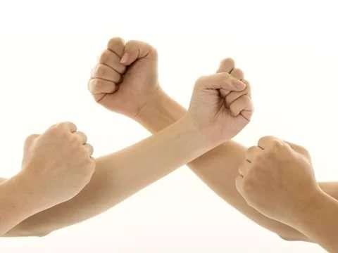 4 формы кулака, которые раскрывают основные черты личности