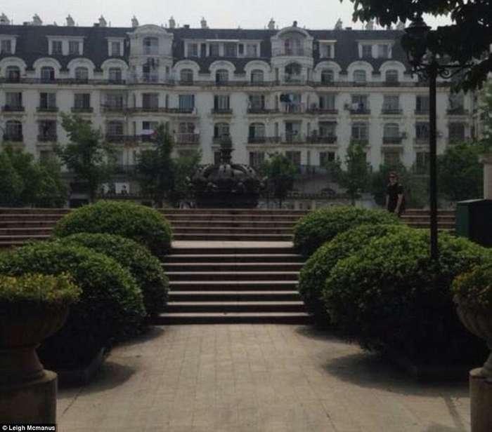 Город, полный странностей: будни заброшенной копии Парижа в Китае