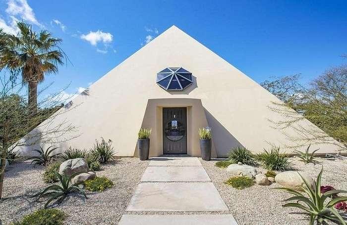 Живи как фараон! Дом в форме пирамиды в Малибу продается за $3 миллиона