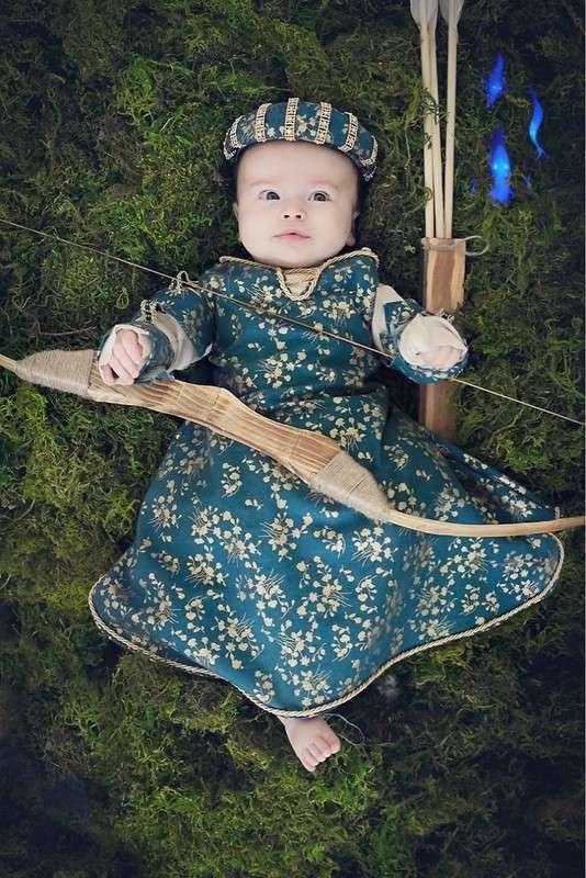 Мама каждый месяц шила платье принцессы для дочки, чтобы справиться с депрессией