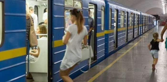 В России впервые задержали преступника, используя технологию распознавания лиц в метро-2 фото-