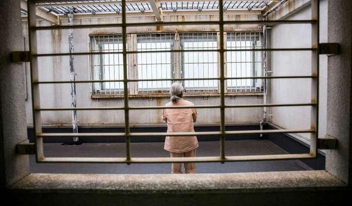 Пожилые японцы стремятся в местную тюрьму