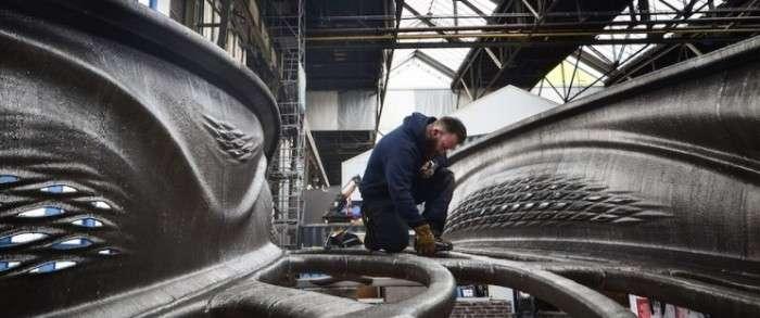Самый большой стальной мост был распечатан роботами на 3D-принтере всего за 6 месяцев