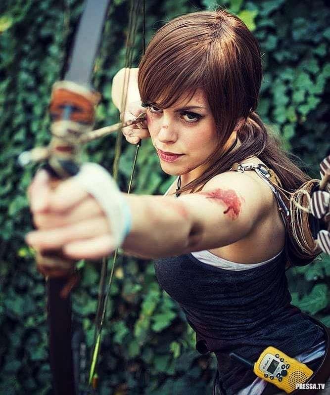 Красивые девушки в Lara Croft Cosplays