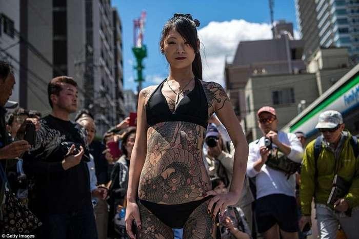 Гейши, самураи и якудза: в Токио прошел Фестиваль трех святынь-8 фото + 1 видео-