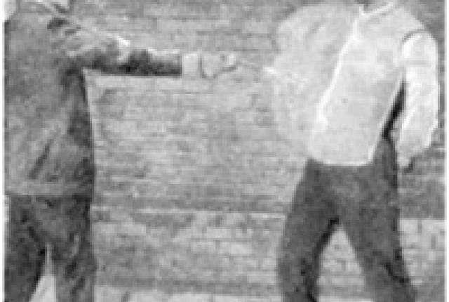 Как священник изобрел шелковый бронежилет-4 фото-