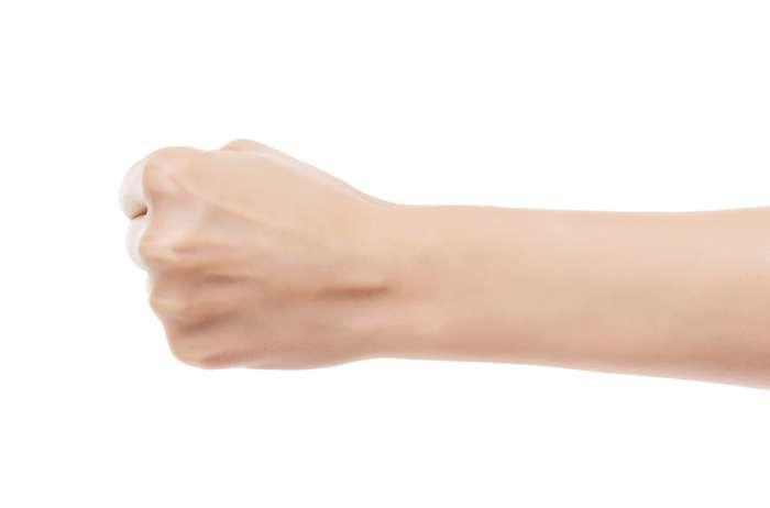 Каков ваш тип личности в соответствии с тем, как вы сжимаете кулак?