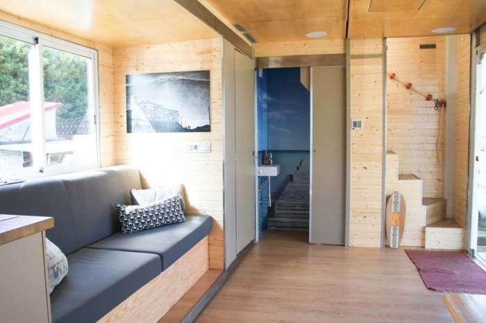 Двухэтажный отель на колесах позволит отдохнуть в любом месте на полную катушку