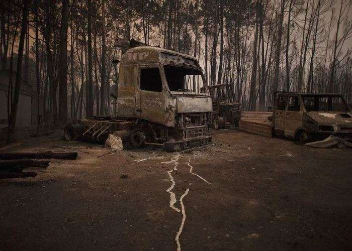 Ломай меня полностью: 9 фотографий, как стихия превращает автомобили в кучу металлолома