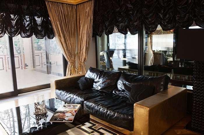 Популярный певец Стас Михайлов показал поклонницам свой роскошный особняк