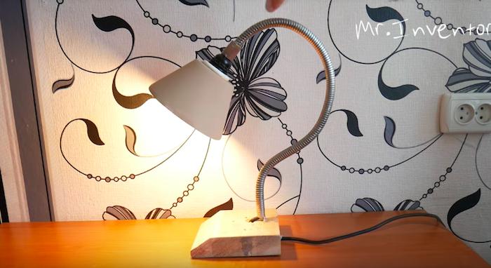 Электрик предложил вполне полезное решение, что делать со старым шлангом от душа