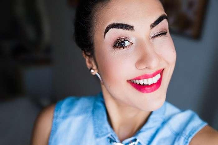 9 вещей, которые визажисты не советуют делать с бровями