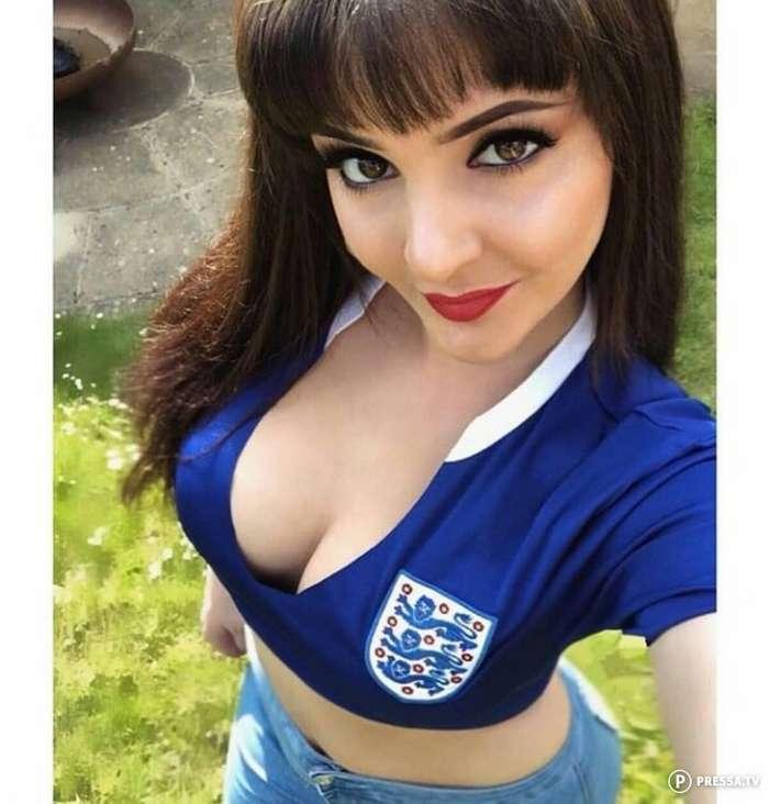 Симпатичные футбольные болельщицы из разных стран