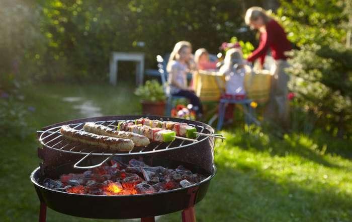 9 лучших портативных барбекю, которые можно поставить в саду и взять с собой на природу