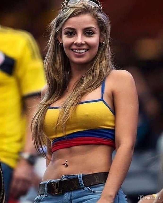 Привлекательные футбольные болельщицы из разных стран