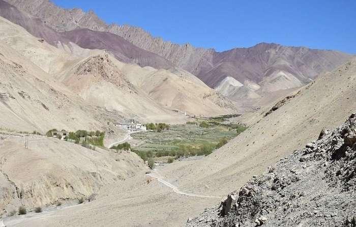 Жизнь вне цивилизации: жители деревни в Гималаях пользуются электричеством 3 часа в день-12 фото-