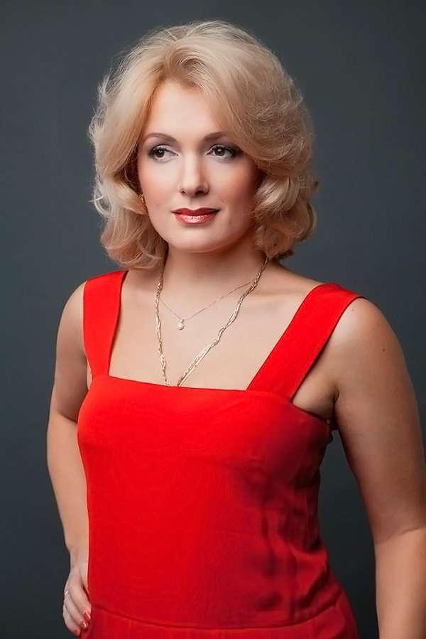 правом верхнем российские актрисы кино список с фото одежда для