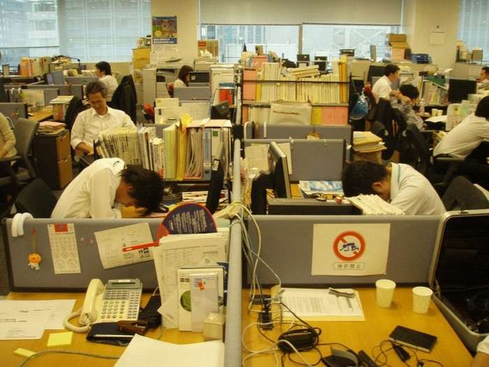 Японская культура сна на работе
