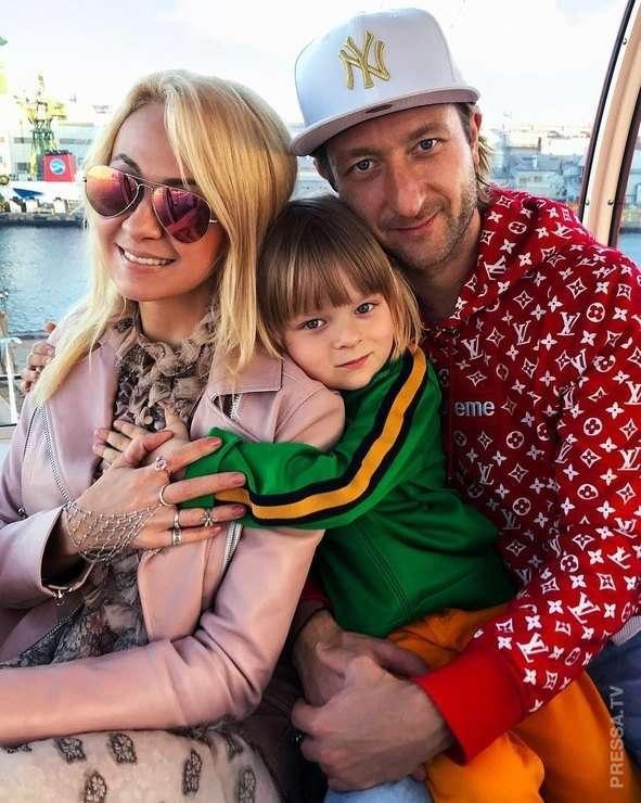 Пятилетний Саша Плющенко - сын Яны Рудковской вошел в пятерку самых красивых детей