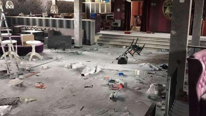 На два миллиона: пара школьников разгромила ночной клуб в Крыму-4 фото + 1 видео-