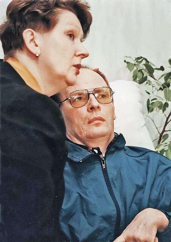 Жена генерала Романова приходит в госпиталь к мужу каждый день уже 20 лет-3 фото-