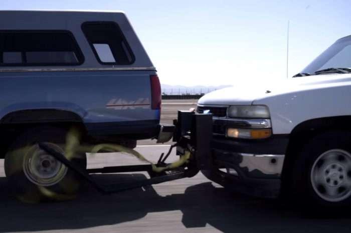 Как американская полиция останавливает водителей-лихачей