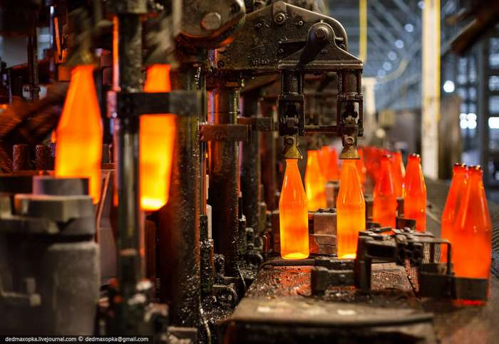 Как производят стеклянные бутылки