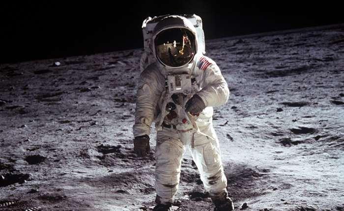 История появления Луны