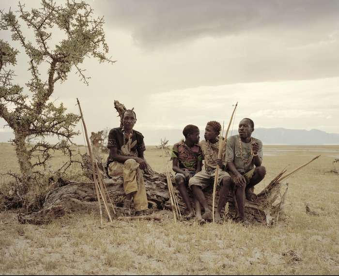 Исчезающее племя охотников-собирателей из Танзании