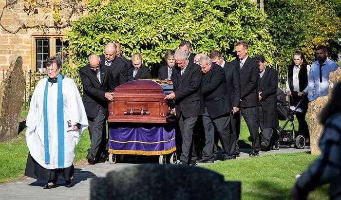 Экстравагантные похороны цыганского барона в Великобритании