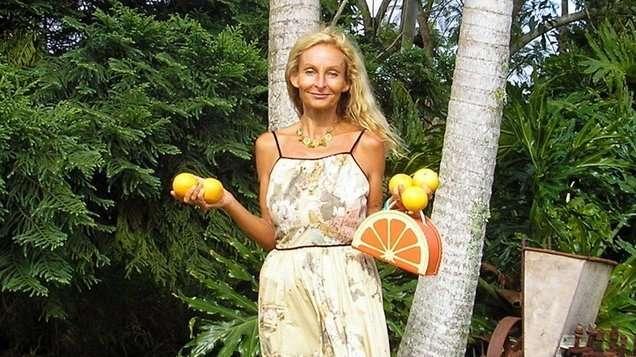 Австралийка 27 лет ест только фрукты. И живёт счастливее нас!
