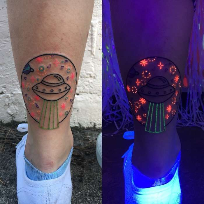 23 крутые татуировки американской художницы, которые светятся в темноте
