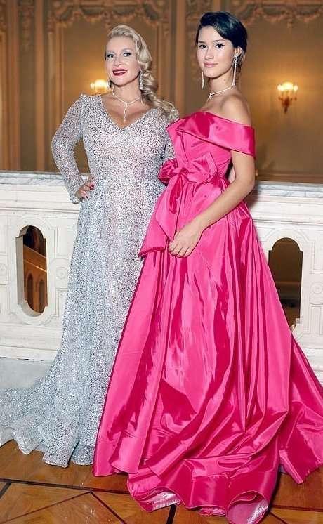 Ночь богатых невест: в свет вышли звездные москвички